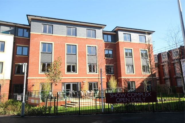 Thumbnail Flat for sale in West Street, Newbury