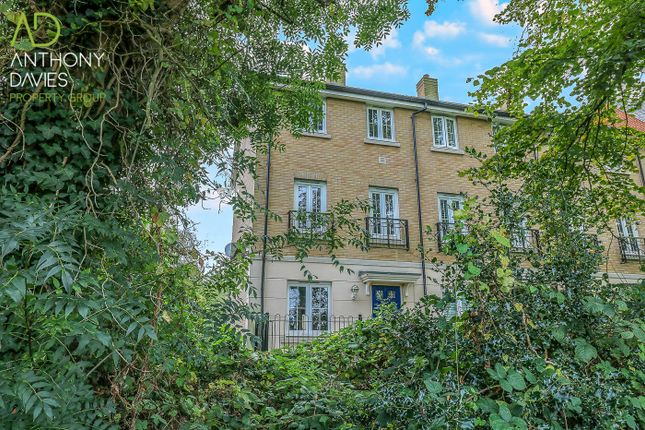 Thumbnail Town house to rent in Sanville Gardens, Stanstead Abbotts