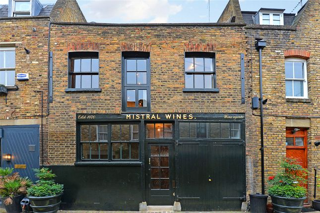 Picture No. 18 of Junction Mews, London W2