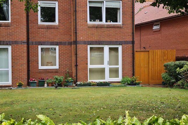 Thumbnail Flat to rent in Homelane House, Burnham-On-Sea, Somerset