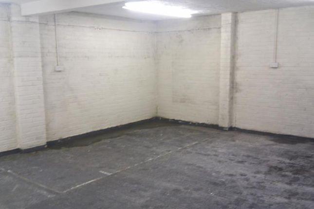 Picture No.03 of Brook Close, Rochford, Essex SS4