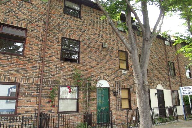Thumbnail Town house to rent in Eldon Street, Southsea