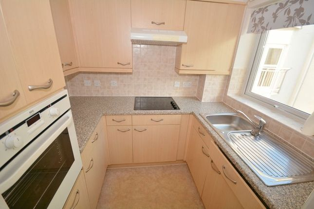 Hillside court plymouth pl7 1 bedroom flat for sale for Hillside elevator cost