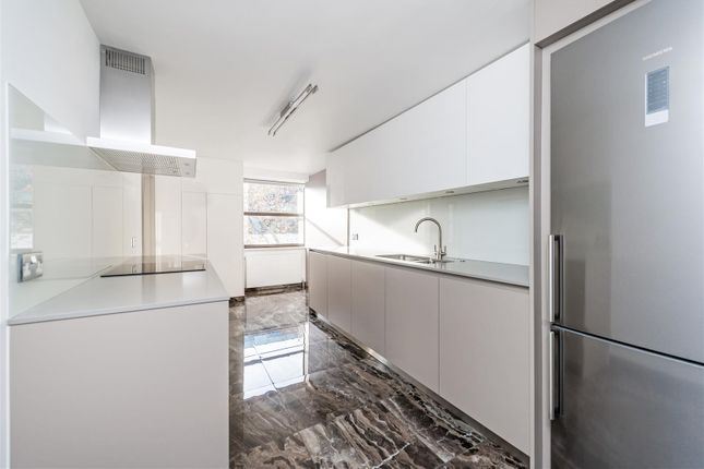 Kitchen of 42 Great Smith Street, Westminster, London SW1P