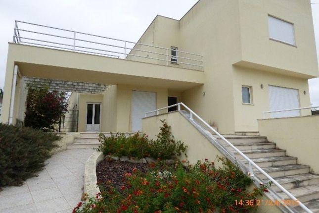 Fanhais Nazaré, Leiria