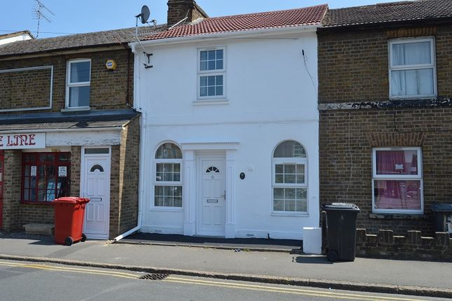Thumbnail Terraced house to rent in Alpha Street North, Slough, Berkshire.