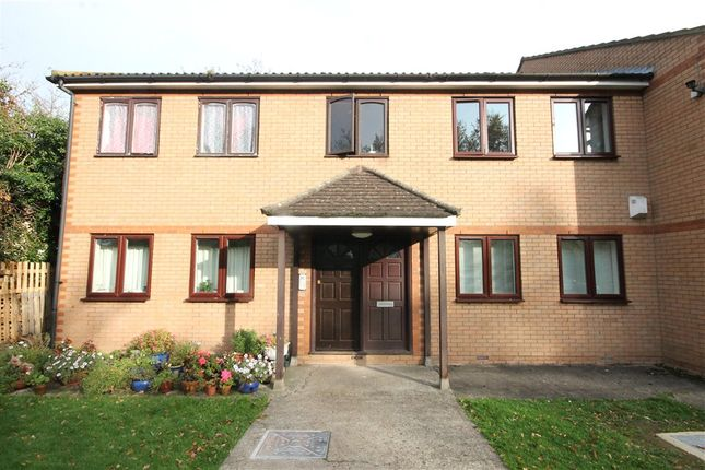 Thumbnail Flat for sale in Tree Tops Court, 17A Swain Road, Thornton Heath