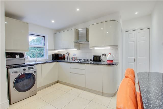 Thumbnail Maisonette for sale in Church Street, West Green, Crawley
