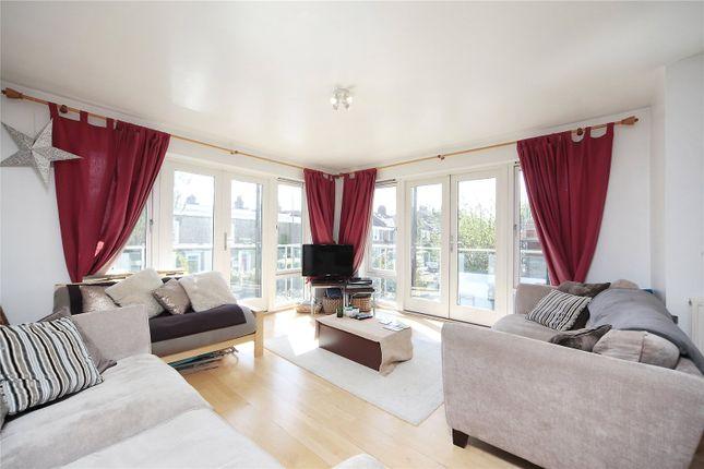 Thumbnail Flat to rent in Cavendish Road, Balham, London