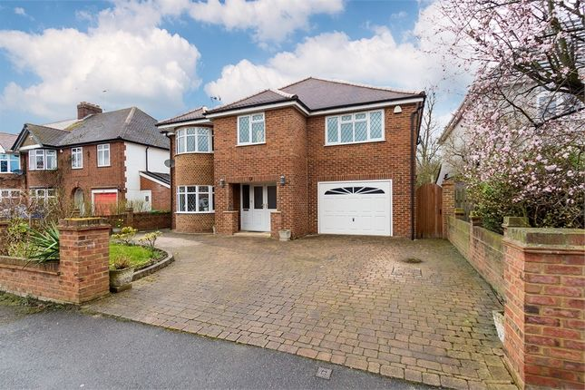 Thumbnail Detached house for sale in Sutton Avenue, Langley, Berkshire