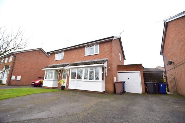 3 bed semi-detached house for sale in Bramble Close, Haverhill