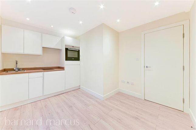 Thumbnail Flat to rent in High Street, Woking