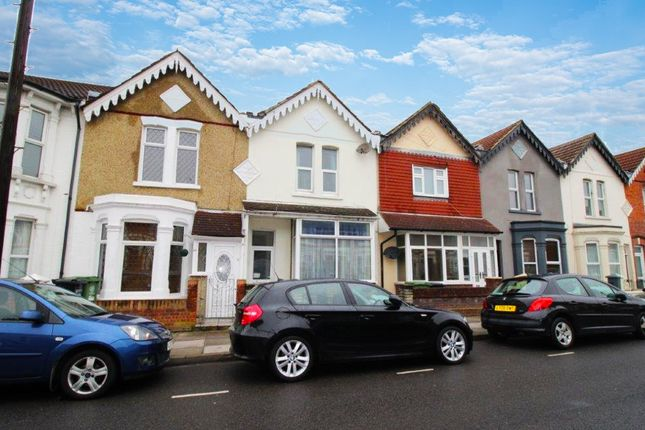 Thumbnail Shared accommodation to rent in Francis Avenue, Southsea