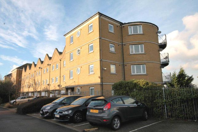 Thumbnail Flat for sale in Wharfside Close, Erith