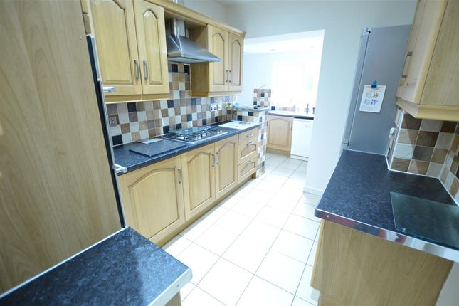 Thumbnail Flat to rent in Queslett Road, Pheasey, Great Barr