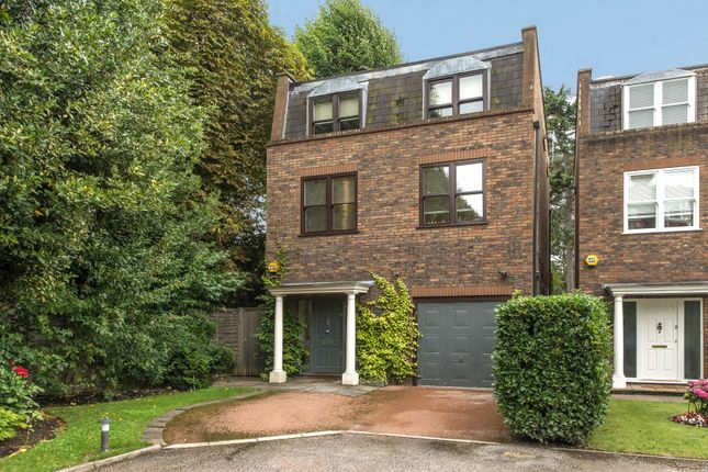 Thumbnail Detached house for sale in Helme Close, London