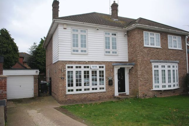Thumbnail Property to rent in Bartletts, Rayleigh