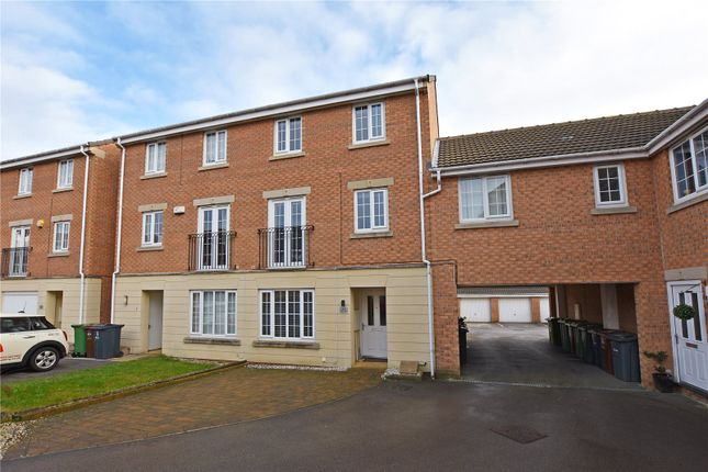 Thumbnail Town house to rent in Murray Way, Leeds, West Yorkshire