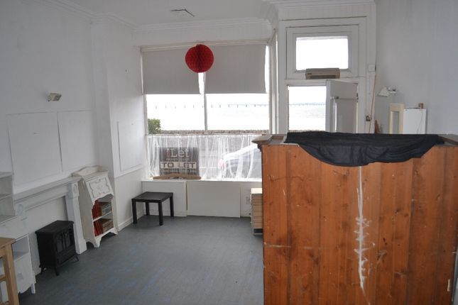 Light industrial to let in Tay Street, Newport-On-Tay