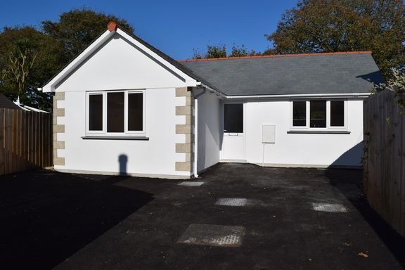Thumbnail Detached bungalow for sale in Chapel Road, Leedstown, Hayle