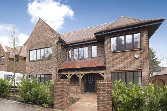 Thumbnail Property to rent in Chandos Way, Golders Hill Park, London