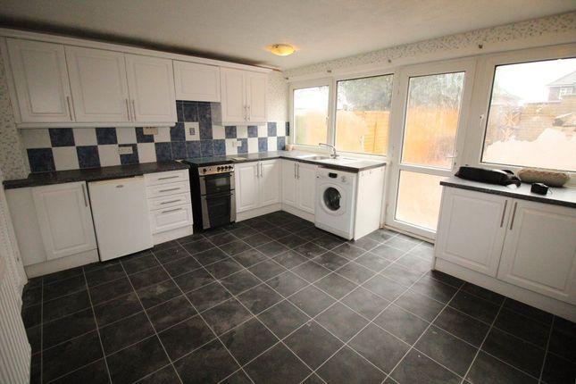 Thumbnail Property to rent in Trowbridge Gardens, Luton