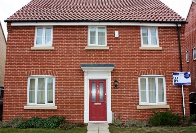 Detached house to rent in Bayberry Close, Red Lodge, Bury St. Edmunds