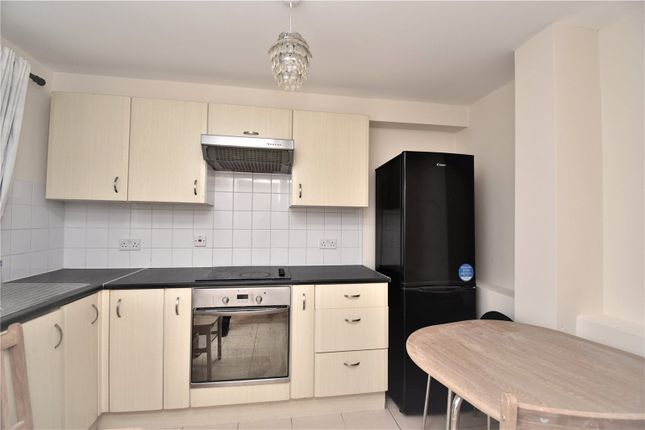 Thumbnail Flat to rent in Granville Road, Wood Green, London
