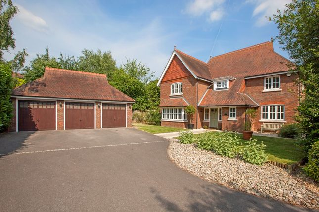 Thumbnail Detached house to rent in The Chase, Maidenhead