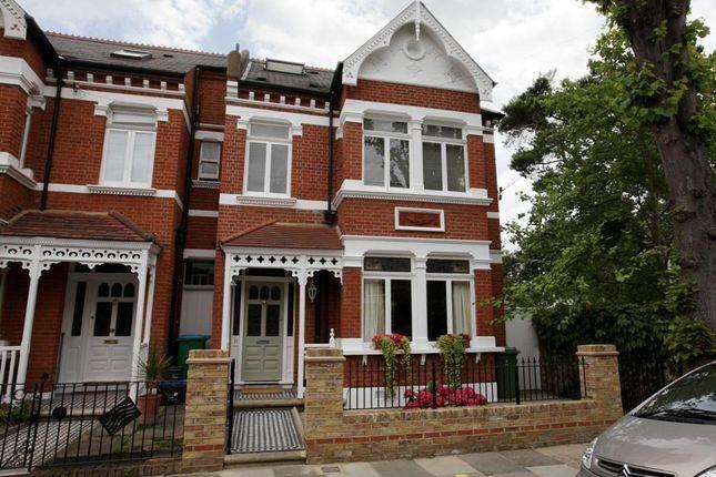 End terrace house to rent in Lebanon Park, Twickenham