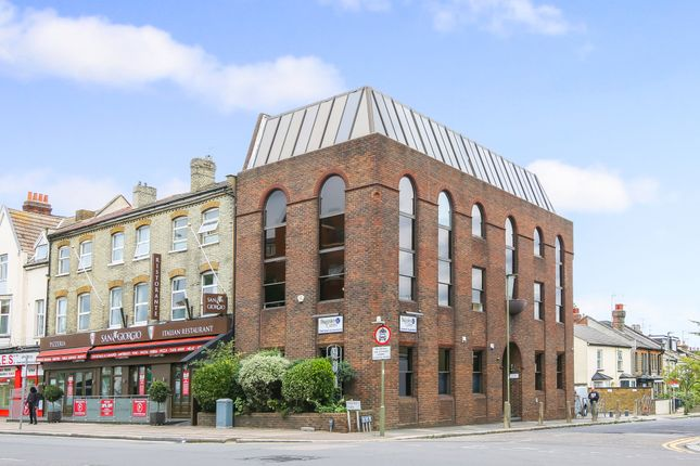 Office to let in 930 High Road, North Finchley, London