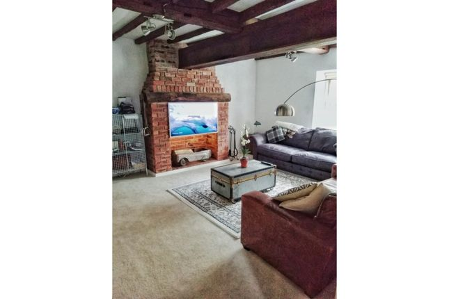 Thumbnail Barn conversion to rent in Burghwallis, Doncaster