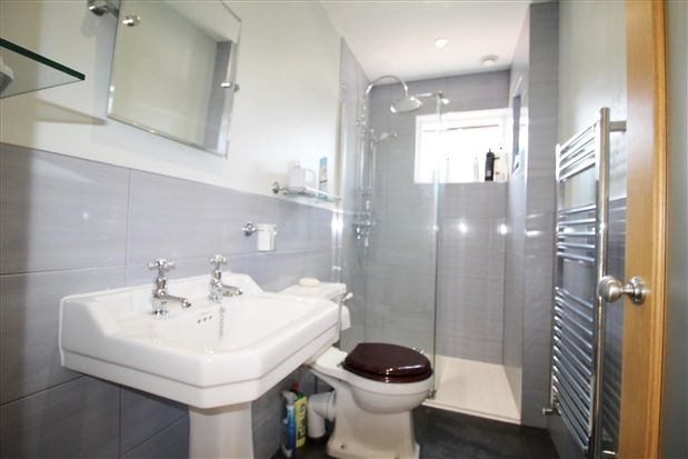Ensuite of St. Helens Road, Ormskirk L39