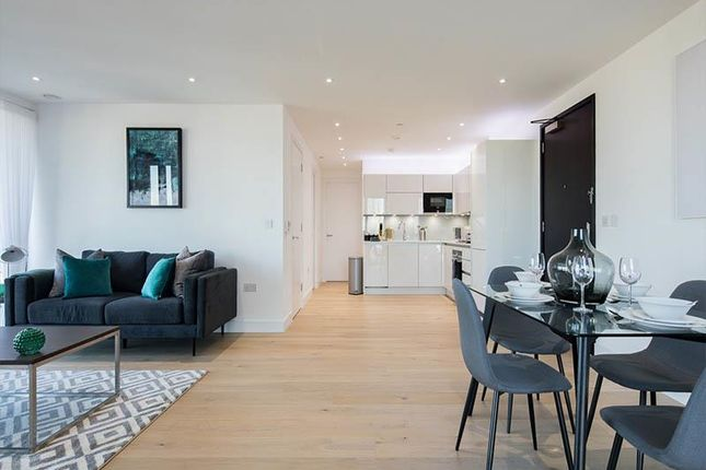 Thumbnail Flat to rent in Heritage Tower, Canary Wharf