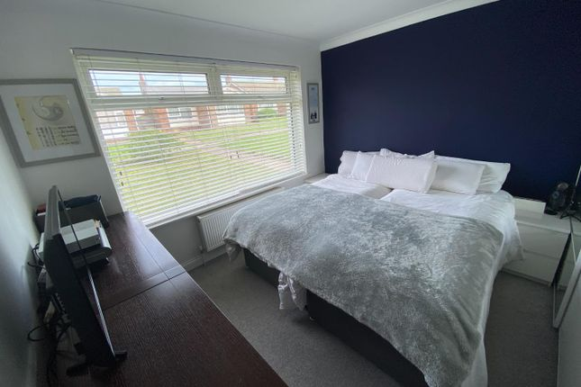 74 Castleview Bed 2 (2) (002)