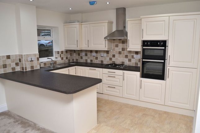 Thumbnail Flat to rent in Holly View Drive, Malvern