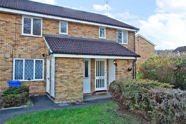 Thumbnail Maisonette to rent in Simmonds Close, Amen Corner, Binfield, Berkshire