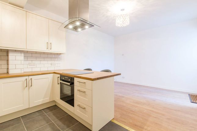 Thumbnail Flat to rent in Wood Street, Walthamstow, London