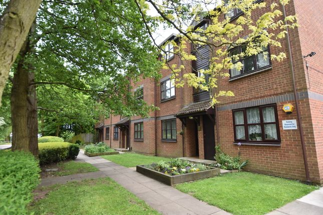 Thumbnail Flat to rent in Horseshoe Lane, Watford