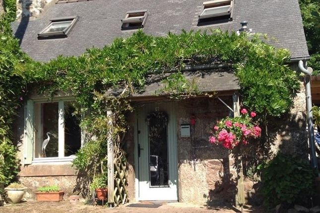 Thumbnail Detached house for sale in 22160 Saint-Servais, Côtes-D'armor, Brittany, France