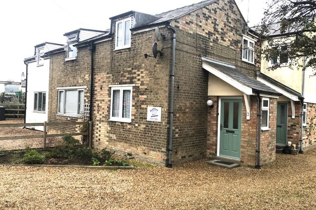 Thumbnail Flat to rent in Station Road, Longstanton, Cambridge