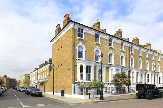 Thumbnail End terrace house for sale in Grafton Square, Clapham, London