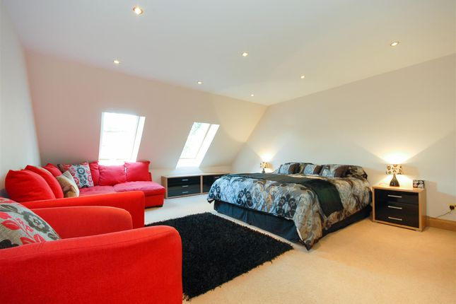 Bed 1 of Kinkellas, 25 Glamis Drive, Dundee DD2