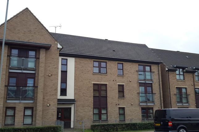 Thumbnail Flat to rent in Weedon Road, Northampton