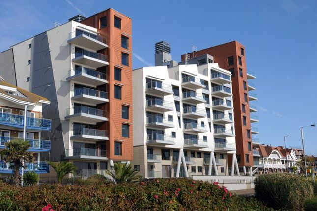 Thumbnail Flat for sale in The Shore, The Leas, Chalkwell, Westcliff-On-Sea