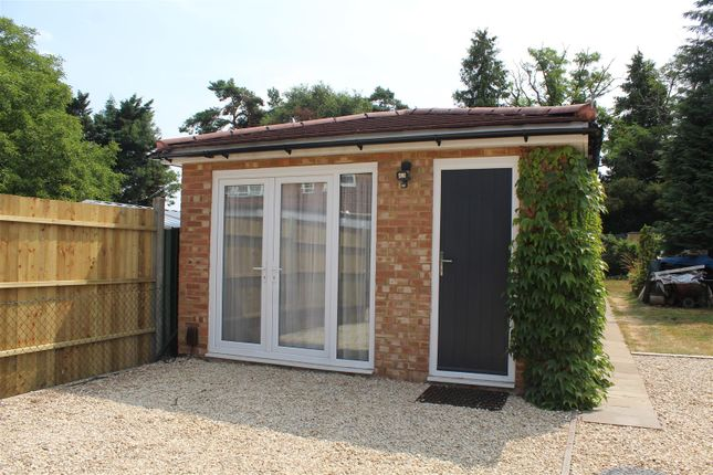 Thumbnail Detached house to rent in Rutland Avenue, High Wycombe