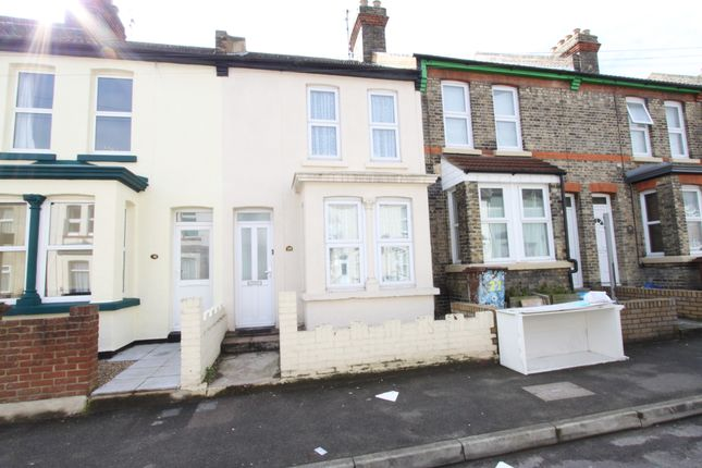 Thumbnail Terraced house to rent in Windsor Road, Gillingham, Kent