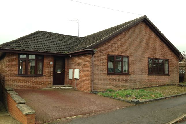 Thumbnail Detached bungalow to rent in Wesley Drive, Banbury