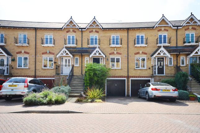 Thumbnail Terraced house for sale in Lynwood Road, Thames Ditton