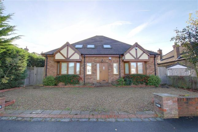 Thumbnail Detached house to rent in Grimsdyke Crescent, Arkley, Hertforshire
